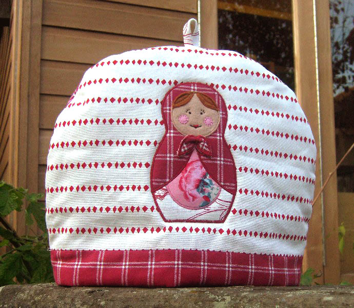 Russian doll teacosy 2