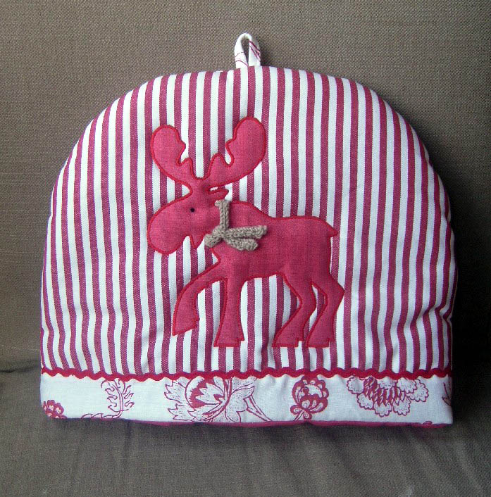 Moose cosy front