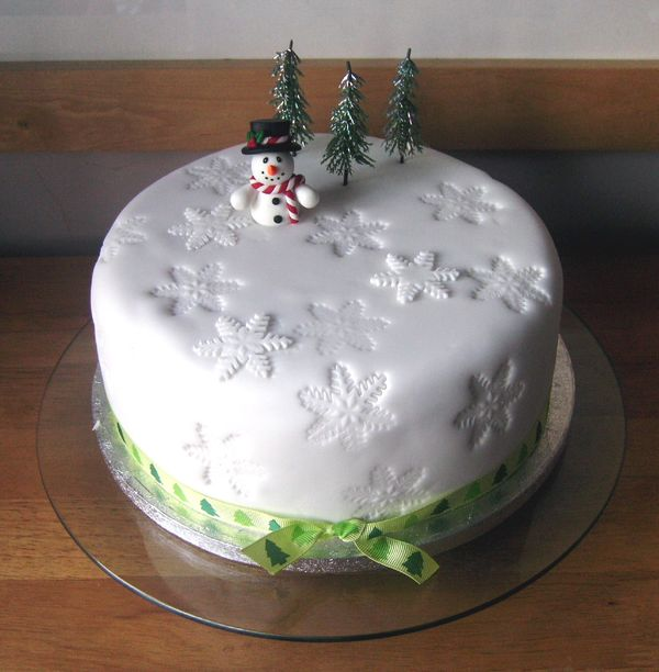 Chocolate Christmas Cake Decorating Ideas : Two Owls Design: Better Late Than Never