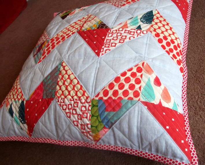 Chevron cushion 004