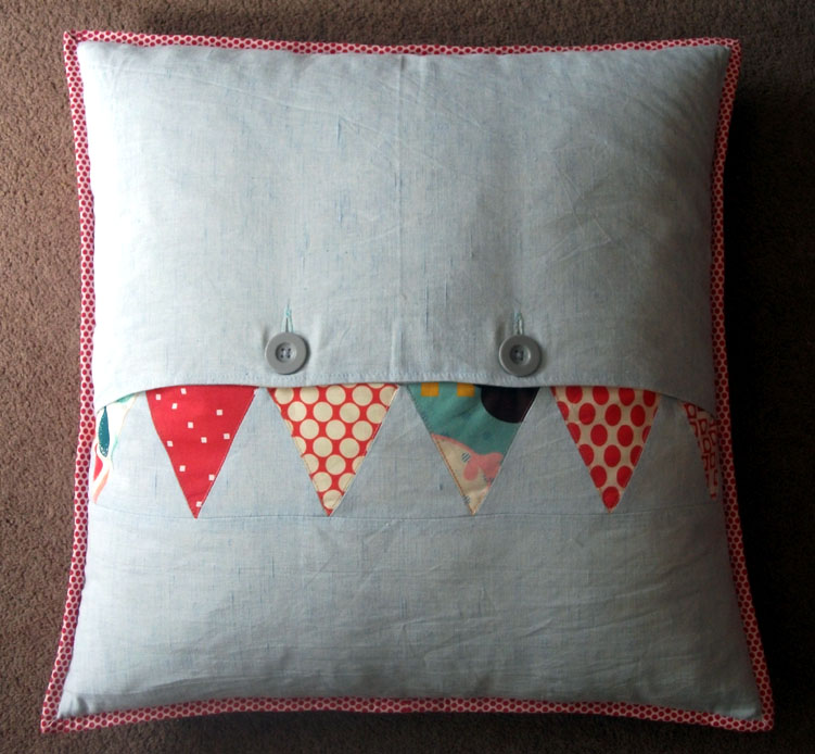 Chevron cushion 006